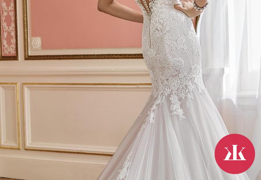 Galéria. 1 z 63. Exkluzívne svadobné šaty z dielne Mon Cheri ... 6f55301d8a0