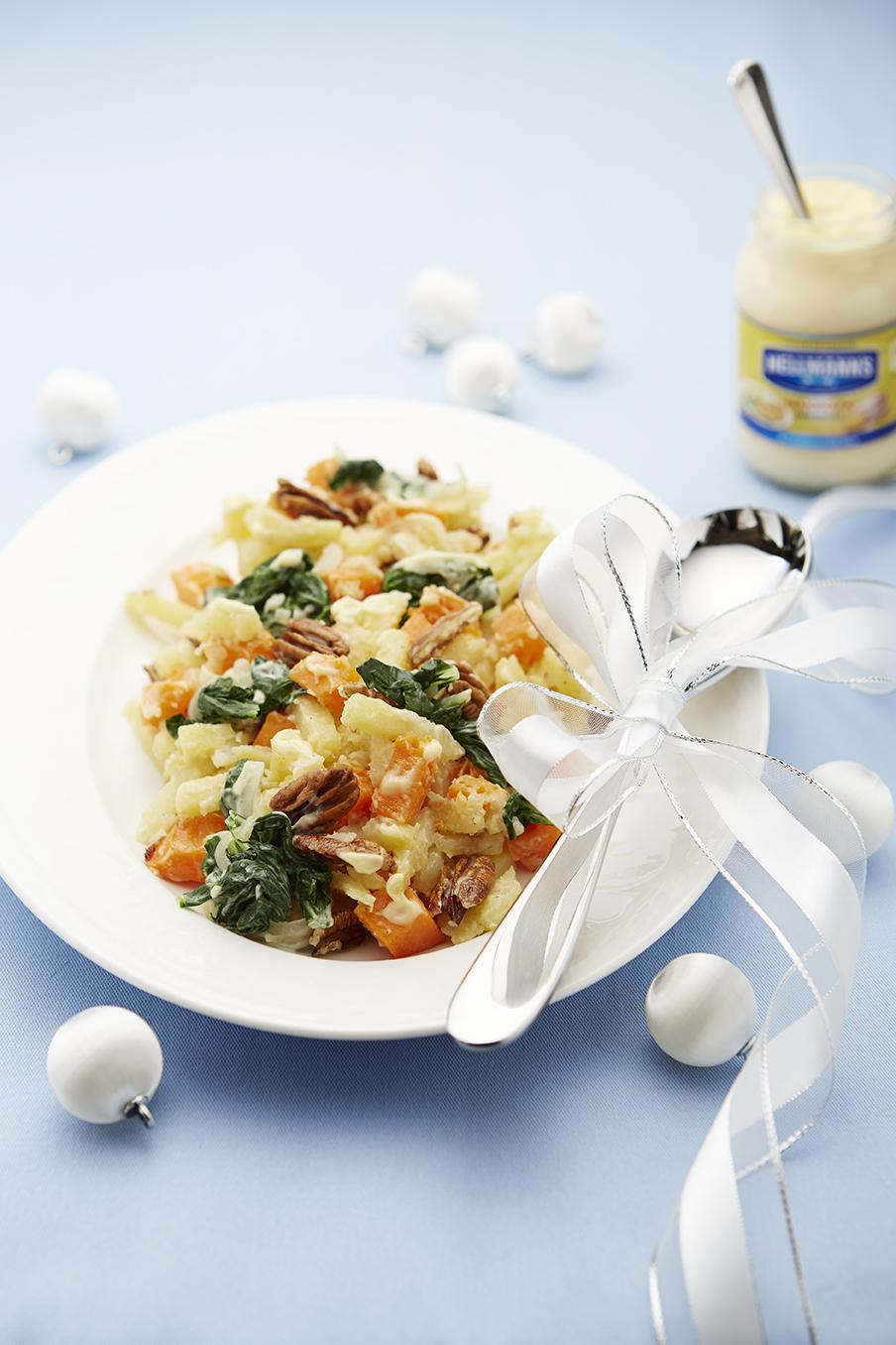 Jemný zemiakový šalát s tekvicou a špenátom