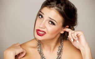 Ako odstrániť ušný maz? Na nebezpečné vatové tyčinky radšej zabudni!