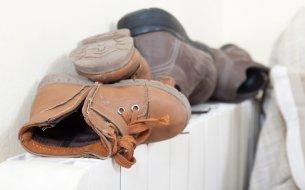 Ako vysušiť topánky rýchlo a jednoducho? Zabudni na radiátor a vaňu!