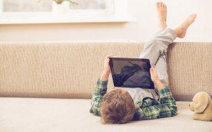 Deti a digitálne technológie (mobily, počítače, tablety): Pozor na hrozivé následky!