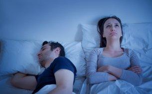 Spánkový rozvod: Kedy môžu oddelené spálne vzťahu pomôcť?