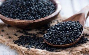 Čierna šošovica – jedinečná len svojou farbou, alebo skrýva niečo viac?