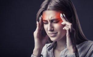 Čo vyvoláva migrénu? Pozor na týchto 7 najčastejších spúšťačov!