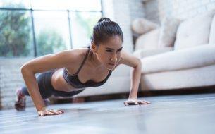 Video tréning na každý deň: Na brucho, ramená, zadok i stehná!