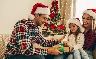 Existuje Ježiško? Kedy a ako povedať deťom, kto nosí darčeky?!