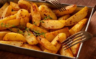 Recept na pečené zemiaky v rúre, ktoré nebudú utopené v oleji!