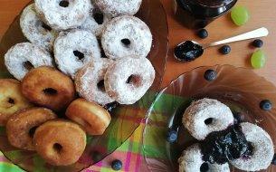 Máš chuť maškrtiť? Zachráni ťa recept na domáce donuty z kefíru!